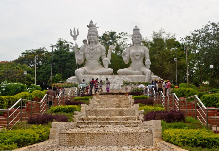 Kailasagiri Hill Top #Park is a famous #tourist spot in #Visakhapatnam, Andhra Pradesh. It is one of the well-known hilltop parks with a wide sea view on the East Coast and several view points to enjoy the tranquil atmosphere and scenic #beauty.  #travel #nature