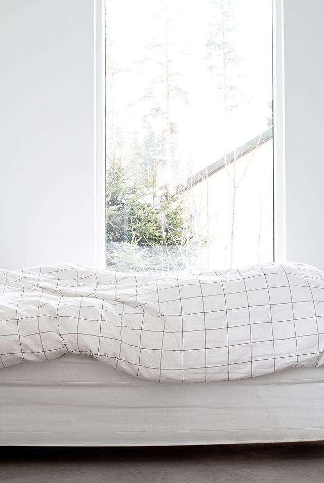 Minimal bedroom while still being cozy | MyDubio