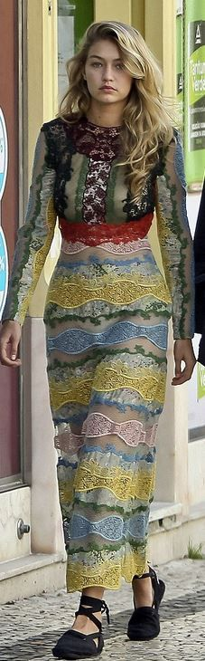 Who made Gigi Hadid's lace gown?