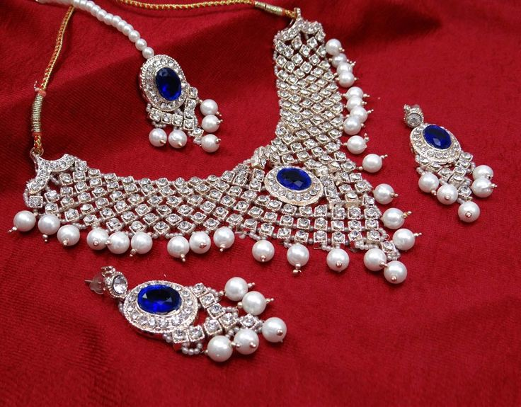 Charmingly #beautiful look of yours will get complimented on wearing this bridal set.