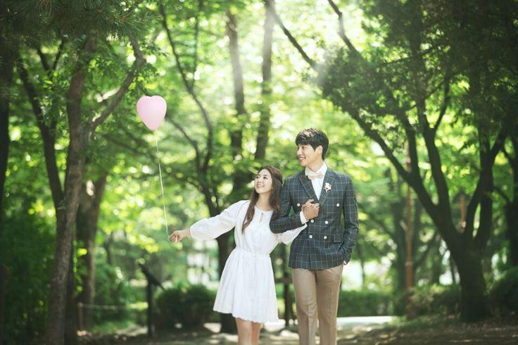 Korea Pre-Wedding Photography in Studio & Dosan Park, Seoul by May Studio on OneThreeOneFour 22