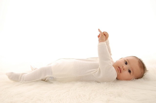 Simply Merino - 100% Merino wool infant gowns, sleepers, and 2 piece set for ages 0 - 6yrs.