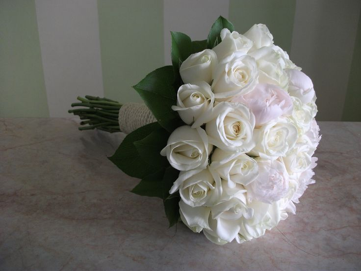 Classy #bridal#bouquet with #white#roses and #peonies
