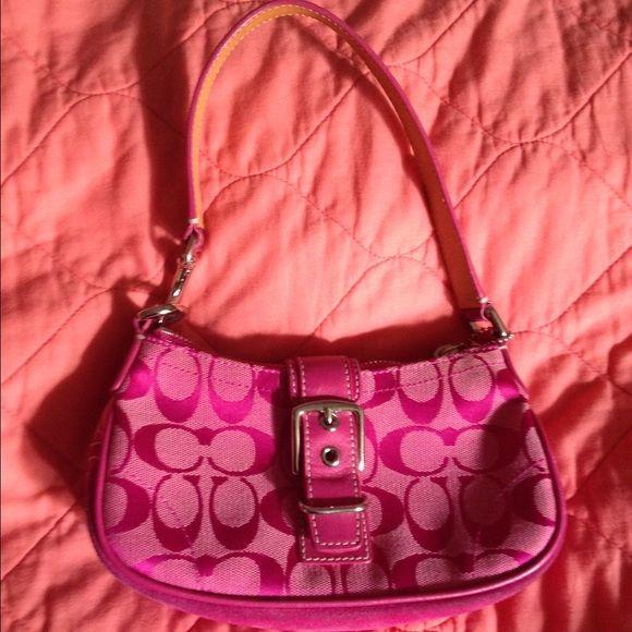 Coach Bag❗️❗️JUST REDUCED❗️❗️ Cute small pink Coach bag❗️ Coach Bags Shoulder Bags
