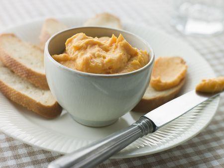 #recette de la rouille : sauce Provençale qui ressemble à une mayonnaise aux épices, miam !
