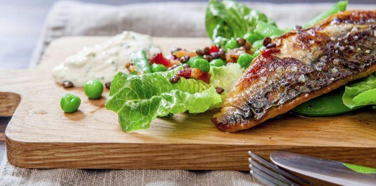 Sprøstekt makrell og hjertesalat med linser – Berit Nordstrand