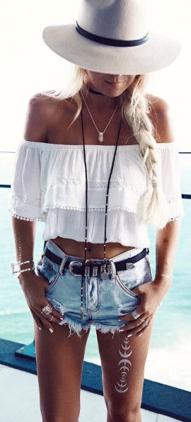 adored this outtfit wearing off the shoulder crops wiht denim shorts