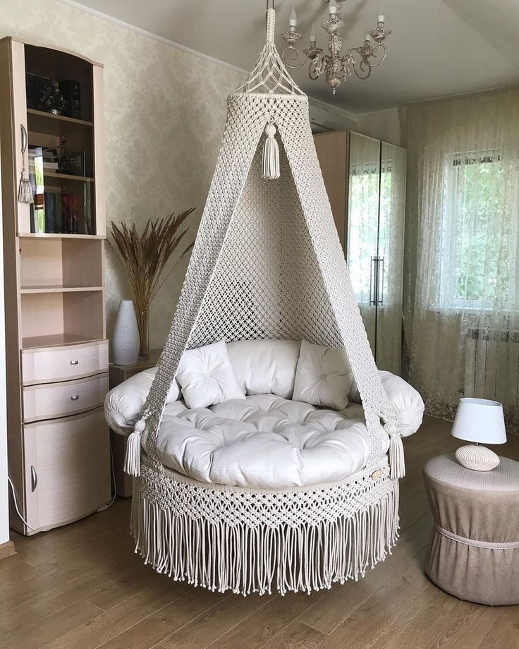 Macrame Hanging Chair, Macrame Chairs, Macrame Art, Macrame Jewelry, A Frame House, Handmade Handbags, New Room, Bassinet, Diy Furniture