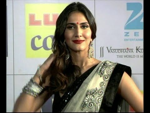 Vaani Kapoor gorgeous in saree @ ZEE CINE AWARDS 2014.