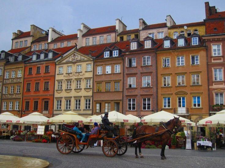 不死鳥のごとくよみがえったポーランドの世界遺産、ワルシャワ歴史地区   GOTRIP! 明日、旅に行きたくなるメディア