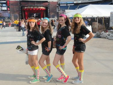 How We Met Taylor Swift, Thanks to 'Mama Swift' - Entertainment - Middletown, RI Patch  SO CUTE