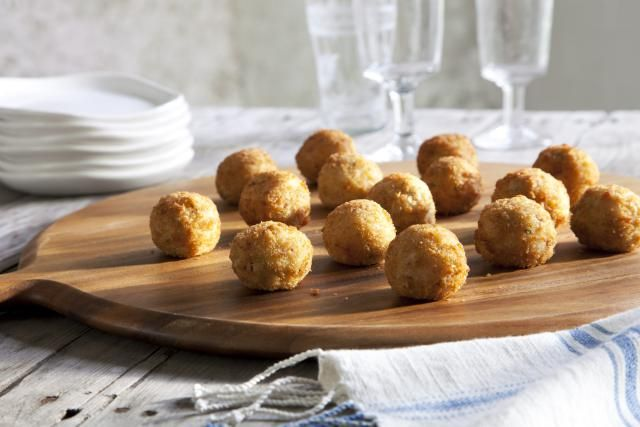 Bitterballen are a popular deep-fried bar snack in the Netherlands and Belgium. This beef version is a classic and one of the most popular versions.