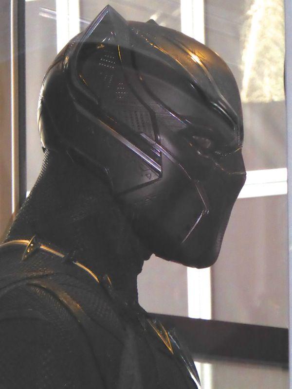 Black Panther mask detail Captain America: Civil War