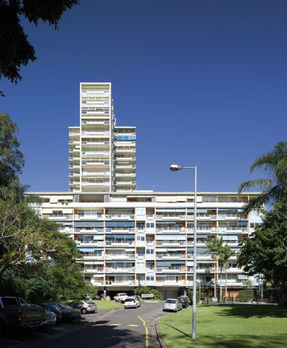 Torbreck, a residential complex in Brisbane's Highgate Hill, designed by Aubrey Job and Robert Froud and completed in 1961. From AR's Life Cycle series.