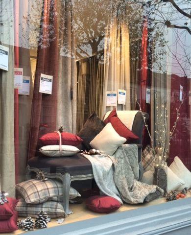 our London showrooms embrace the festive spirit! http://www.pretavivre.com/news/festive-windows