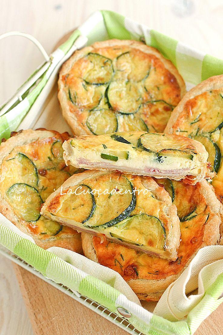 Mini quiche alle zucchine, Emmenthal e prosciutto cotto