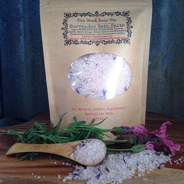 Surrender botanic bath salts with cornflowers and essential oils