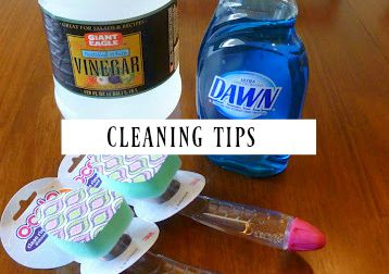 Looking for a fast and easy way to have a sparkling clean tub and shower? This super simple shower and tub cleaner is what you've been looking for!