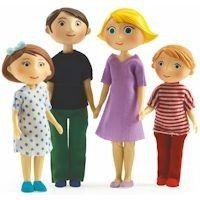 Les poupées Djeco sont composées de 3 familles différentes:il y a la famille de poupées moderne: Gaspard et Romy,la famille de poupées ethnique: Milo et Mila,et la famille de poupées traditionnelle: Thomas et Marion Agrandissez facilement la famille avec toutes ces poupées articulées !