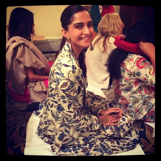 sonamkapoor @Sonam Kapoor Instagram photos | Webstagram
