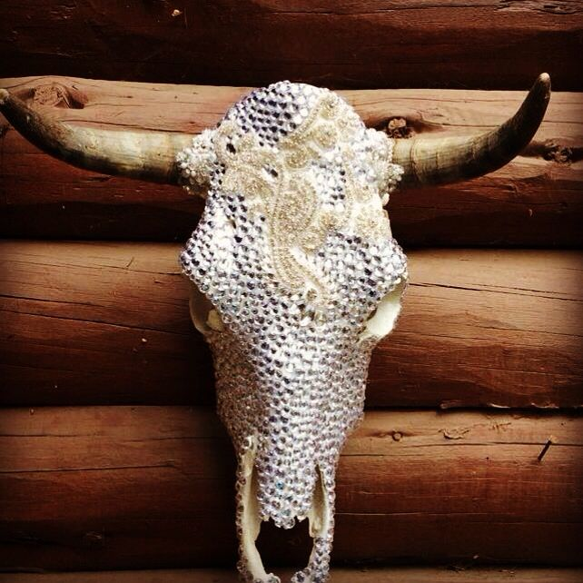 Crystal cow skull perfect for weddings !!! Custom orders in time for Christmas !