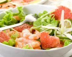 Salade légère de pamplemousse, crevettes et cacahuètes : http://www.fourchette-et-bikini.fr/recettes/recettes-minceur/salade-legere-de-pamplemousse-crevettes-et-cacahuetes.html