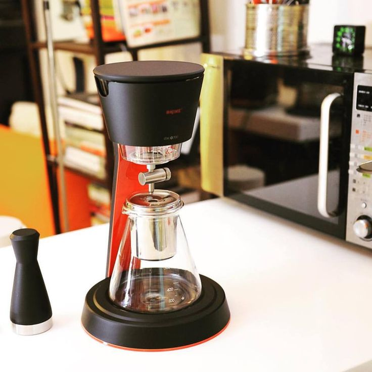 Drip Coffee Maker Tips : Best 25+ Cold drip coffee maker ideas on Pinterest Cold drip, Cold brew coffee maker and Drip ...