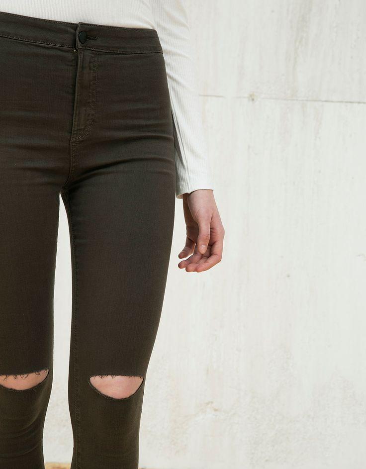 Jeggings s BSK high waist. Descubra esta e muitas outras roupas na Bershka com novos artigos cada semana