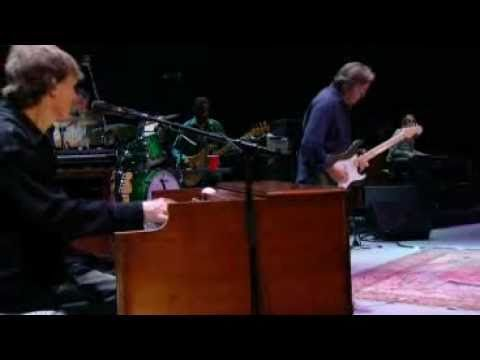 Eric Clapton and Steve Winwood - After Midnight (Live from Madison Squar...