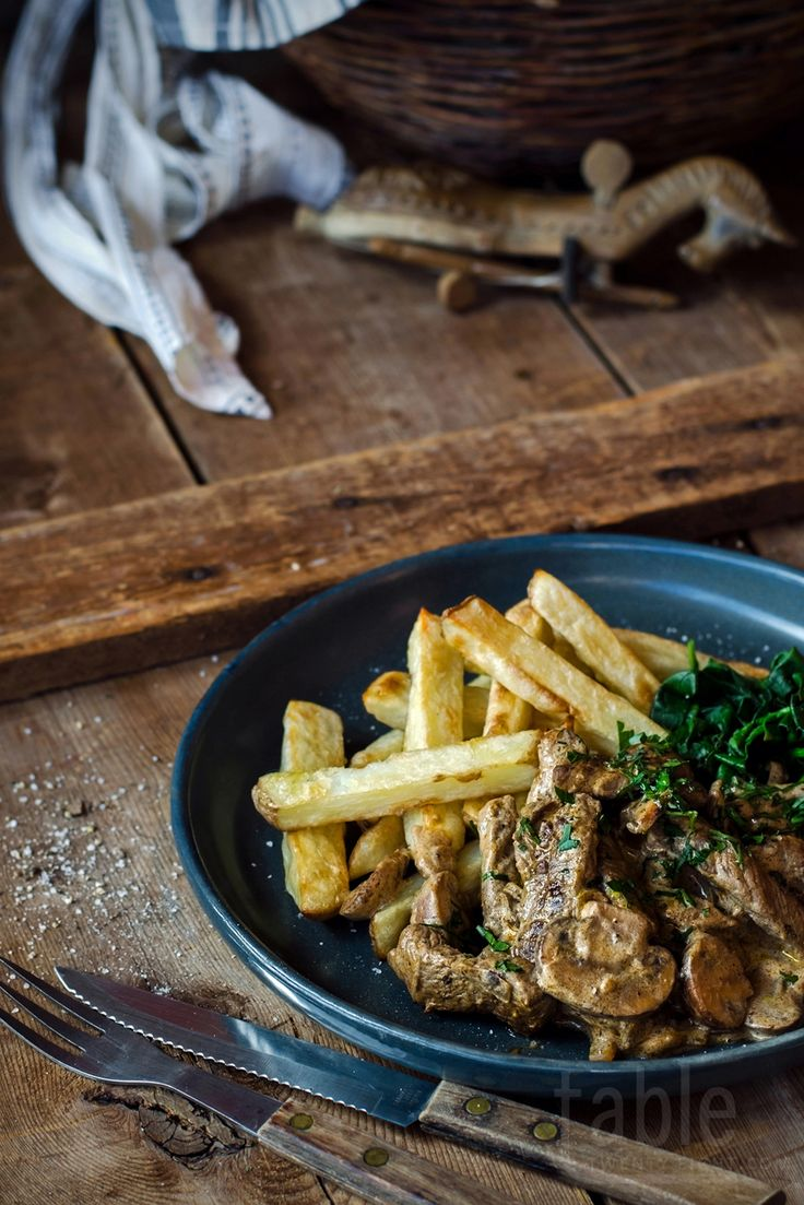 beef stroganoff with oven-baked chips | table twenty eight
