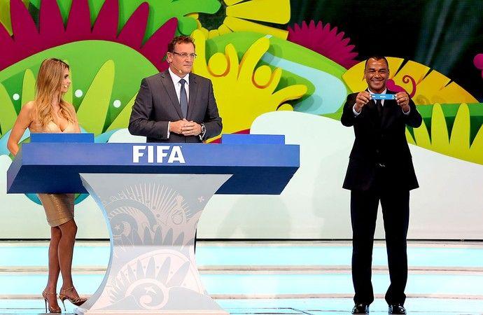 Cafu sorteio Copa do Mundo (Foto: Reuters).06/12/2013.