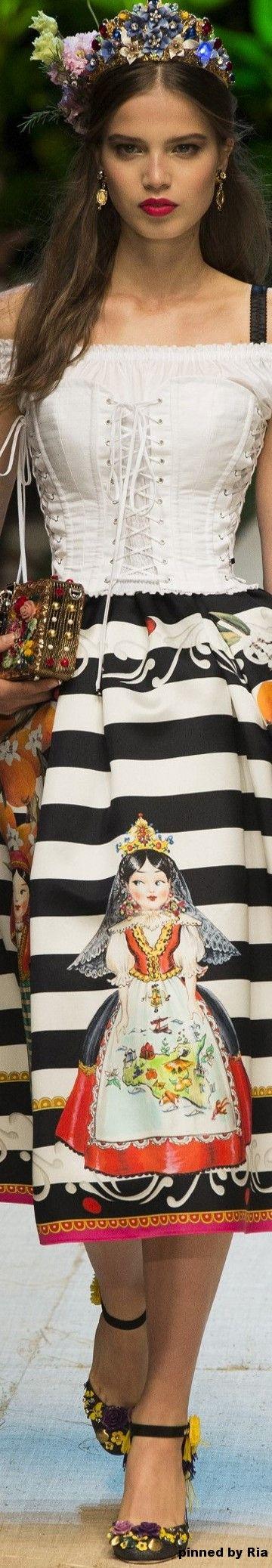 Dolce & Gabbana Spring Summer 2017 RTW l Ria