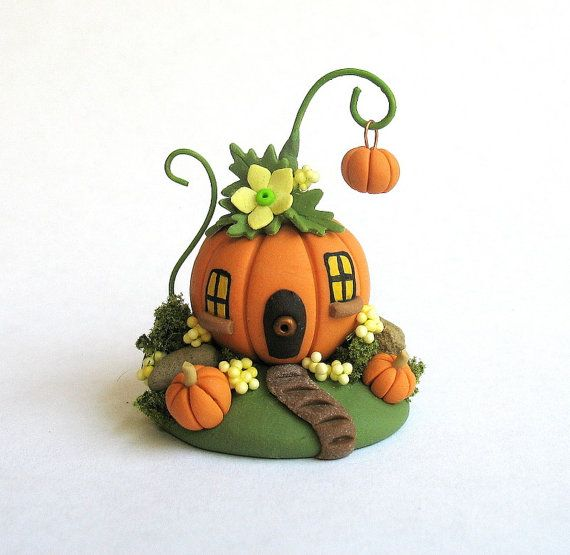 Miniature  Whimsical  Fairy Pumpkin House with por ArtisticSpirit