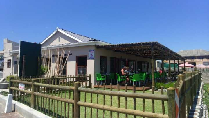 Situated down at the harbour in #Gansbaai Fynbos Shoppe & Coffee Shop makes for the perfect stop.