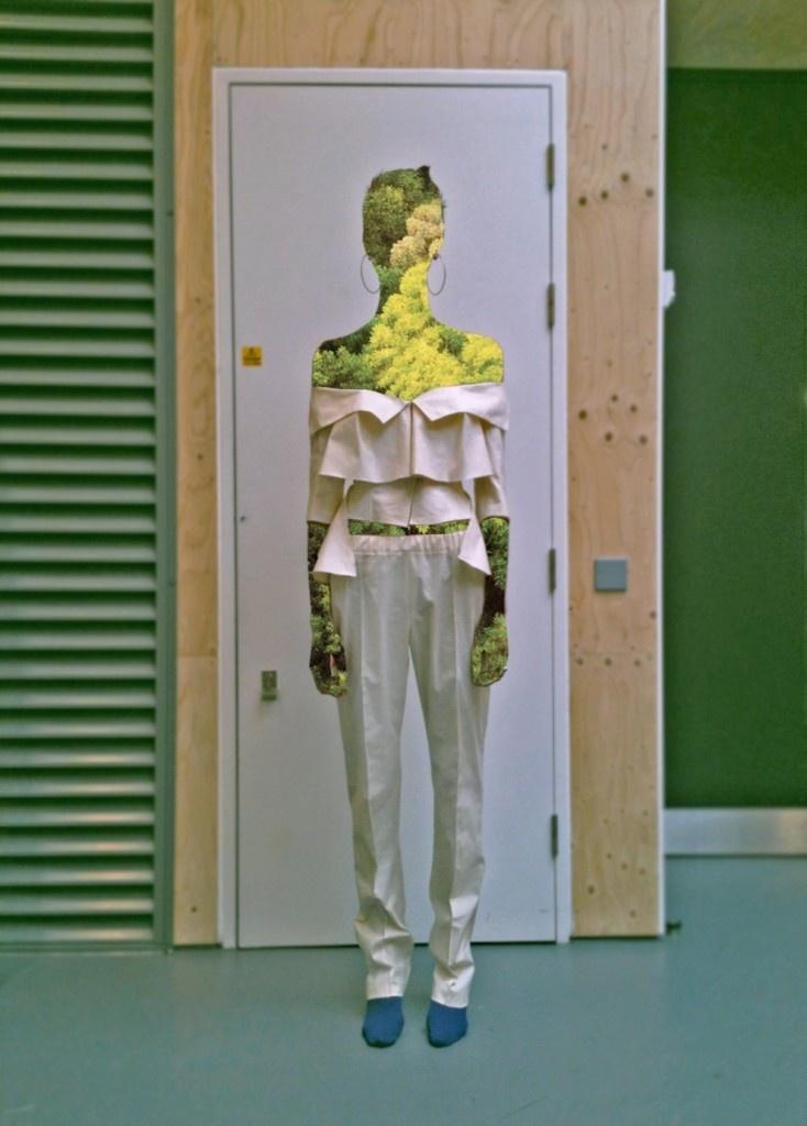 http://1granary.com/category/central-saint-martins-fashion/#prettyPhoto[4]/5/