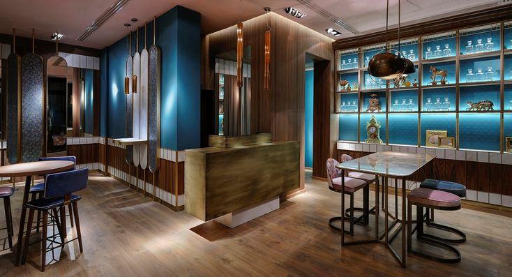Είδα μια παρουσίαση του προσφάτως ανακαινισμένου Baiser bar πριν από λίγες ημέρες σε ένα έγκυρο Αυστραλιανό site που η θεματολογία του αφορά ότι νέο και ενδιαφέρον συμβαίνει αυτή τη στιγμή στο χώρο της Διακόσμησης και της Αρχιτεκτονικής ανά τον κόσμο.