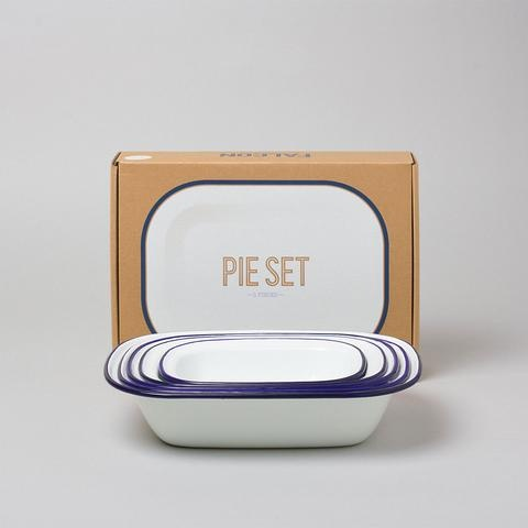 Beautiful Bakeware: Enamelware Pie Set