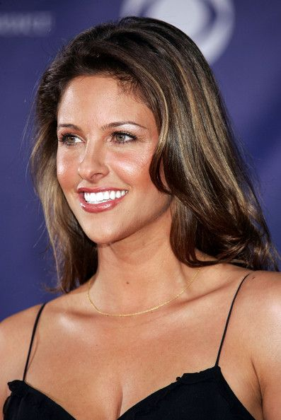 Jill Wagner Photos Photos - 32nd Annual People's Choice Awards ...