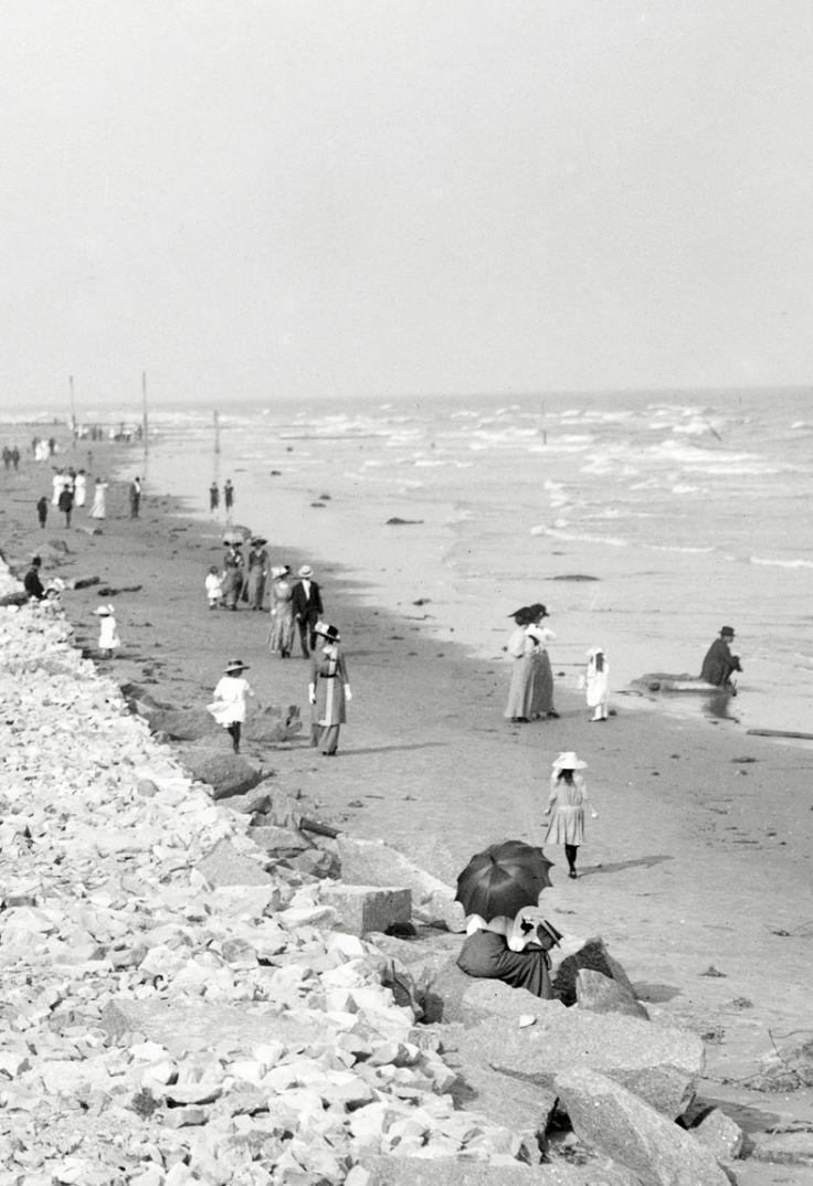 "vestatilleys: "" Galveston, Texas, circa early 1910′s. ""victorian seaside promenade"
