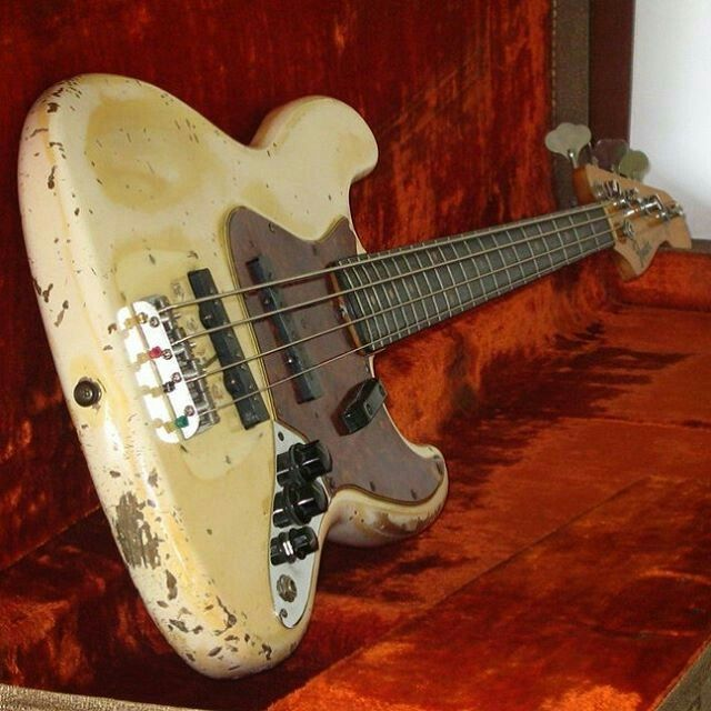 Vintage fender jazz bass Olympic white
