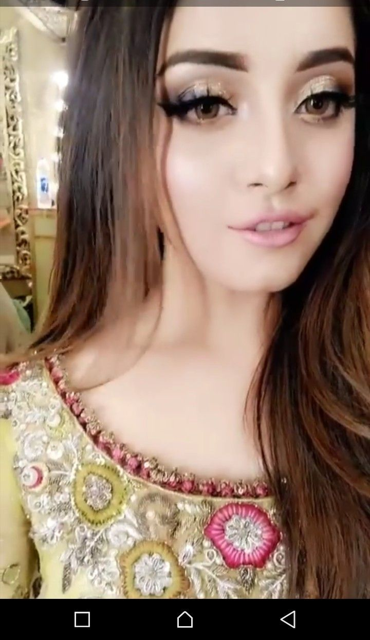 Pin By Social Addict On Alizey Shah Pakistani Girls Pic Beauty