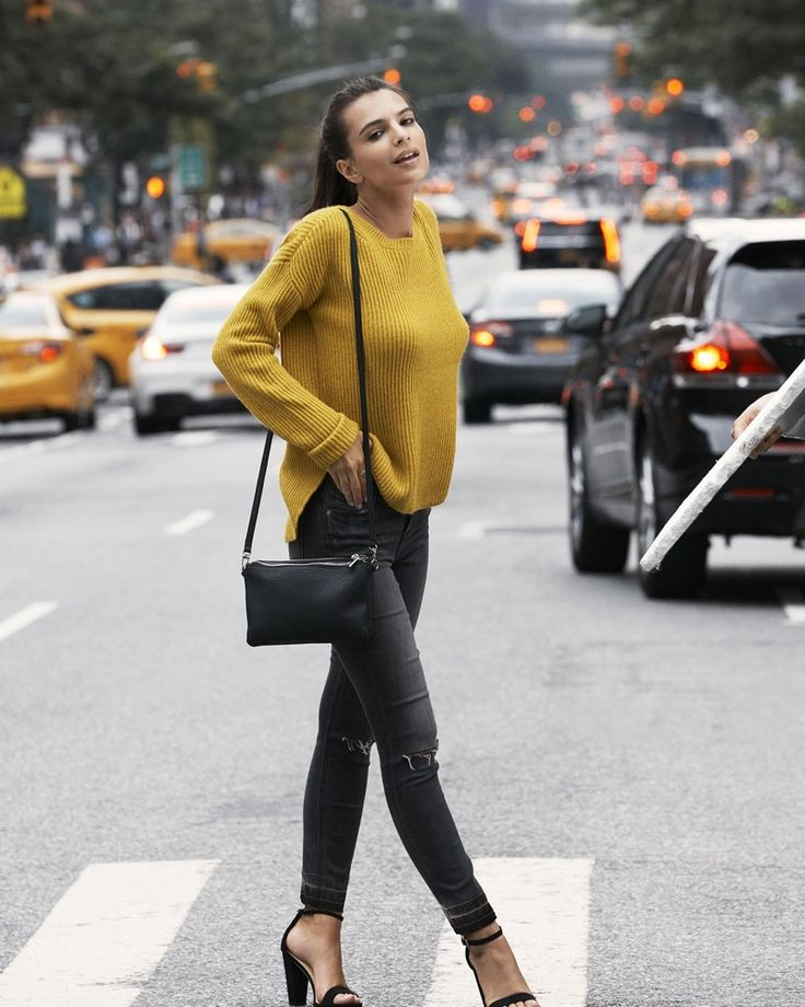 Emily Ratajkowski / Express Crew Neck Shaker Knit Sweater in Citrine