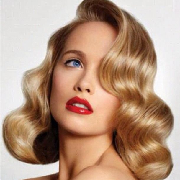 #DeLorenzo #Blonde #Bombshell #vintage #look