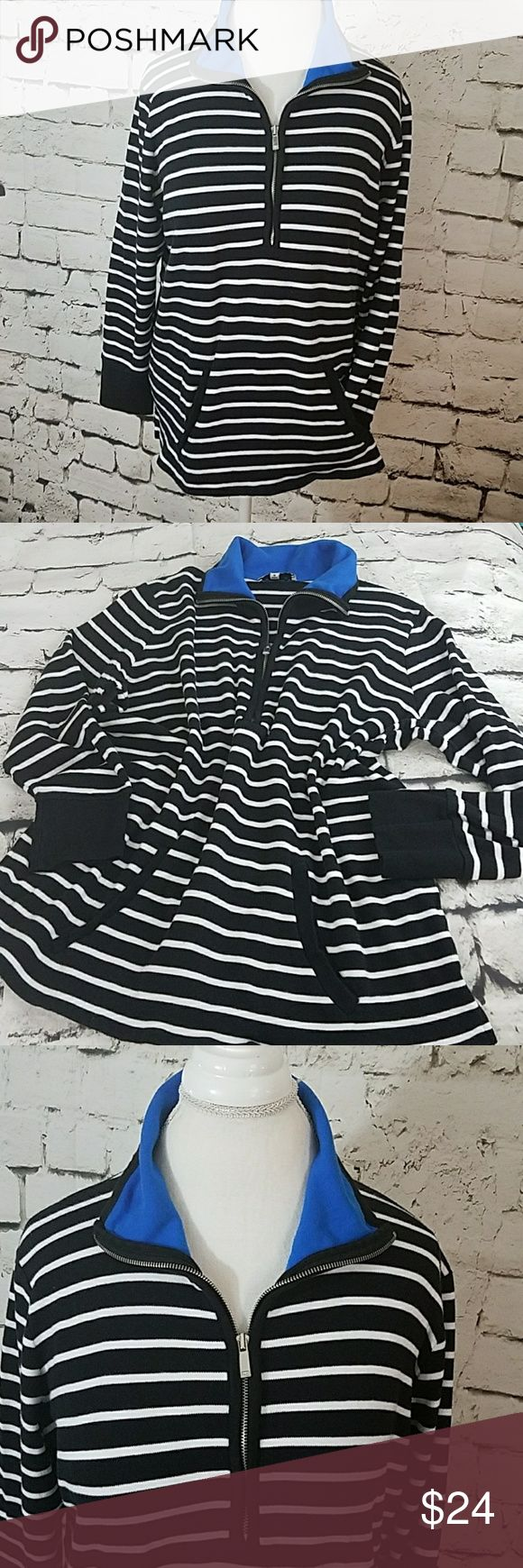 "Jones New York black and white sweatshirt SZ 1X Jones New York sport woman  black and white sweatshirt SZ 1X. This black and white striped sweatshirt has a kangaroo pouch front pocket, solid black cuffs, a blue collar on the inside zipper down halfway is in very good condition great way it's not too heavy it's not too light, has 2in side slits for hip comfort.100% cotton. Measures from armpit to armpit  23"" , from top of shoulder to base of shirt  25.5"" 🌴 Jones New York Tops Sweatshirts…"