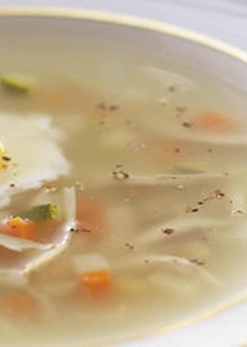 Caldo de Perdiz com Brunesa de Legumes e Ovo de Codorniz