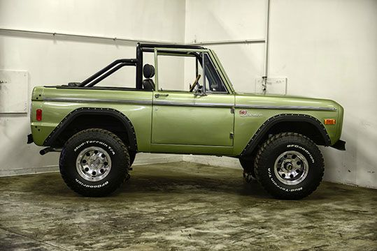 1977 Ford Bronco http://classicfordbroncos.com/past-builds.html https://www.facebook.com/classicfordbroncos #classicfordbroncos #cfb #classic #ford #bronco #fordbronco #vintage #restoration #classicsuv #classiccars #green #country #dirtroads #beach #cruisin