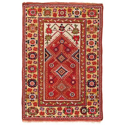 Melas Prayer Rug Turkey, late 19th century 5ft. 1in. x 3ft. 5in. I AUSTRIA AUCTION COMPANY