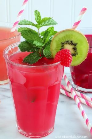 Pink Lady Skinny Detox Power Juice by WickedGoodKitchen.com ~ Simple 3-ingredient fruit juice made from the very best of the crop for detoxing, alkalizing and eliminating fat while providing an energy boost—Honeycrisp apples, ruby red grapefruit and red raspberries. The refreshing way to detox!