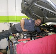 How an Auto Repair Shop is Winning Female Customers with Social Media - great case study on how to run a successful Facebook page.