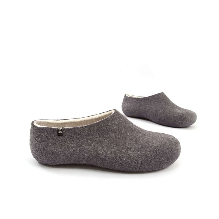 Felt house slippers, Handmade in Greece using 100% natural white, organic wool. #felt #wool #slippers #clogs